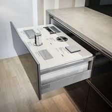 steckdosen design schalter und steckdosen verstecken küchendesignmagazin lassen
