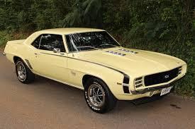 69 camaro apple 1969 chevrolet camaro ss rs 350 butternut yellow 1969 camaro