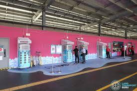 Six Flags Shuttle Bus Smrt Trials Smart Coolers At Yishun Interchange Land Transport Guru