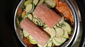 cuisiner saumon congelé recette saumon carottes courgettes et riz de thierry au cookeo