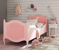 chambre romantique maison du monde déco chambre de fille meubles et accessires pleins de tendresse