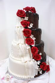 elegant bride wedding cake diy swimming pool using hay bales