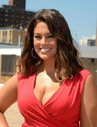 cutting hair so it curves under ashley graham served up another eye catching and classy appearance
