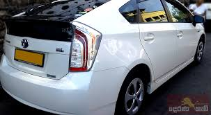 nissan sri lanka derana cab services sri lanka best cab and taxi services for