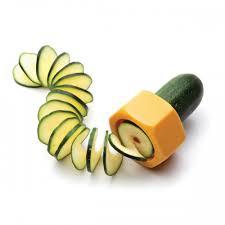accessoires cuisine originaux epluche légumes concombre ustensiles cuisine originaux youdoit