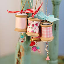 i can t get how these are diy vintage spool necklaces