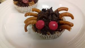 spooky spider choc chip buns recipe odlums
