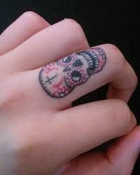 collection of 25 skull on fingers