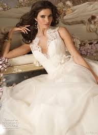 jim hjelm bridal jim hjelm 2010 fall wedding dresses the wedding specialiststhe