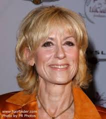 haircuts to hide forehead wrinkles judith light soft hairstyle to hide facial creases and look