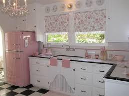 küche retro die besten 25 retro pink kitchens ideen auf rosa