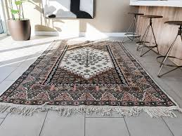 buying rugs how to buy rugs the right way to get the exact rug you