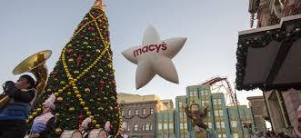 Universal Studios Christmas Ornaments - universal orlando hosts macy u0027s holiday parade wheretraveler
