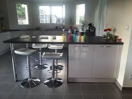cuisine blanche brillante cuisine brilante bow window à sadirac cuisiniste bordeaux a3b