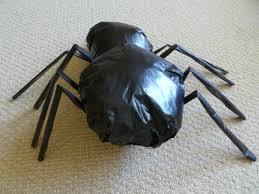 diy aragog giant spider decoration craftster chic