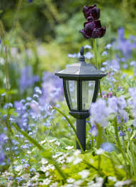 Best Solar Garden Lights Review Uk by 7 On Trend Garden Lighting Ideas For Summer 2017 Trending Now