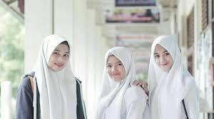 film untuk anak sma walau memakai seragam gaya hijab anak sma ini wajib kamu tiru