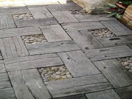 cement cobblestone pavers crushed gravel patio ideas ideas about