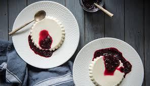 vanilla bean panna cotta queen fine foods