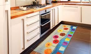 tappeti lunghi per cucina tappeto lungo cucina le migliori idee di design per la casa