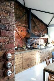 habillage mur cuisine bien habiller un mur interieur en bois 11 cuisine en bois massif