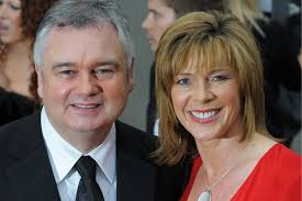 Eamonn Holmes, Ruth Holmes, house, mansion, cushions, silk, Surrey, BROADCASTING BICKERS: Eamonn and Ruth filmed an argument about cushion preferences for ... - 49433