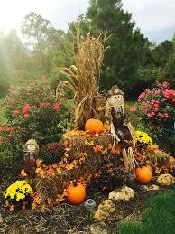Outdoor Fall Decor Pinterest - best 25 fall displays ideas on pinterest harvest decorations