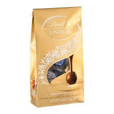 lindt halloween candy lindt lindor assorted chocolate truffles 5 1 oz walmart com