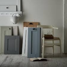 howdens kitchen cabinet doors only kitchen doors buying guide kitchen cabinet doors howdens