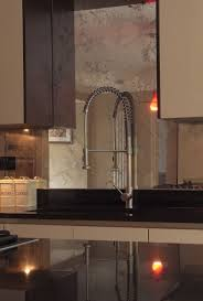 Backsplash Tile For Kitchen Ideas by Best 25 Mirror Splashback Ideas Only On Pinterest Kitchen