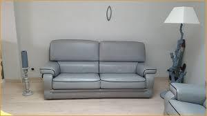 comment renover un canapé comment renover un canapé en cuir élégamment témoignages de