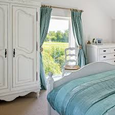 cottage bedroom ideas to give your home country style decor10 blog country cottage bedrooms window view polly eltes