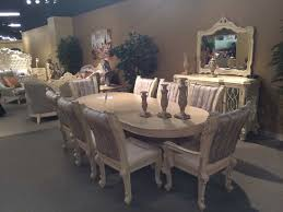 Luxury Dining Room Set Traditional Luxury Dining Table In Beige Hd085 Classic Dining