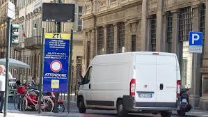 gtt uffici gtt scioperano i sindacati autonomi il comune sospende la ztl