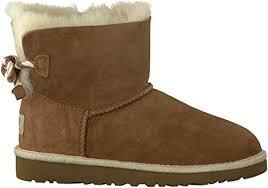 amazon com ugg australia youth selene boots in chestnut 2 us flats ugg kid s selene boots chestnut 2 b m us 737045426723