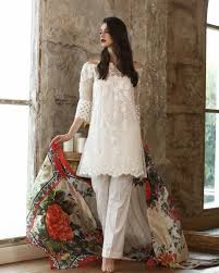 5 styles from gul ahmed u0027s festive luxury collection you want to