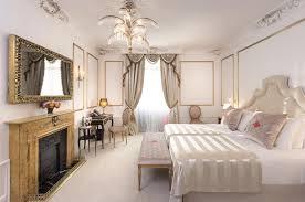 Antike Schlafzimmerm El Suite Cesar Ritz Hotel Palace Barcelona 5 Sterne Luxus