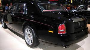 roll royce garage file rolls royce phantom 2003 rear jpg wikimedia commons