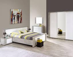 chambre bois blanc chambre a coucher adulte moderne blanc laqué et couleur bois gris