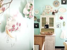 deco chambre bebe vintage deco chambre bebe vintage meuble blanc patine vintage et cadres pour