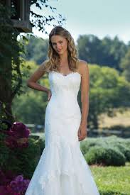 popular wedding dresses most popular wedding dress styles 2017 confetti co uk
