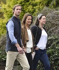 bucklebury middleton house pippa middleton strolls through irish village with husband pippa