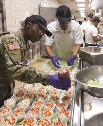 cantigny diner staff serve thanksgiving meals to fort