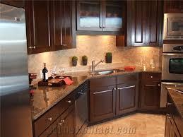 Backsplash For Granite by Best 25 Brown Granite Ideas On Pinterest Tan Kitchen Cabinets