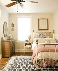 Schlafzimmer Mit Holzdecke Einrichten Schlafzimmer Ideen Romantisch Gispatcher Com Https I Pinimg