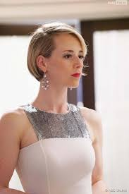 hairstyles of margaux on revenge photos revenge saison 4 épisode 16 margaux karine vanasse