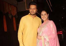 heavily pregnant genelia d u0027souza amitabh bachchan diwali party