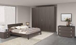 chambre à coucher adulte design chambres adultes completes design commode tiroirs city laque blanc
