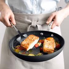 quelles sont les meilleures poeles pour cuisiner classement guide d achat top poêles anti adhésives en mar 2018