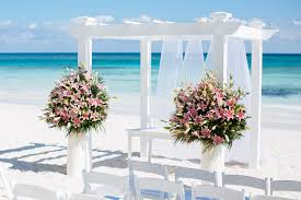 palladium wedding i think these are the pink lilies in mayan pearl weddings at grand